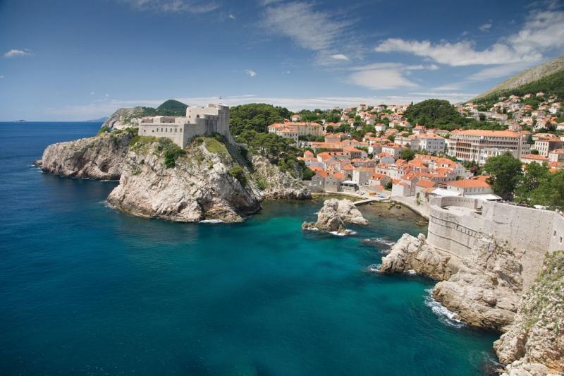 Недвижимость в черногории остров Фракия